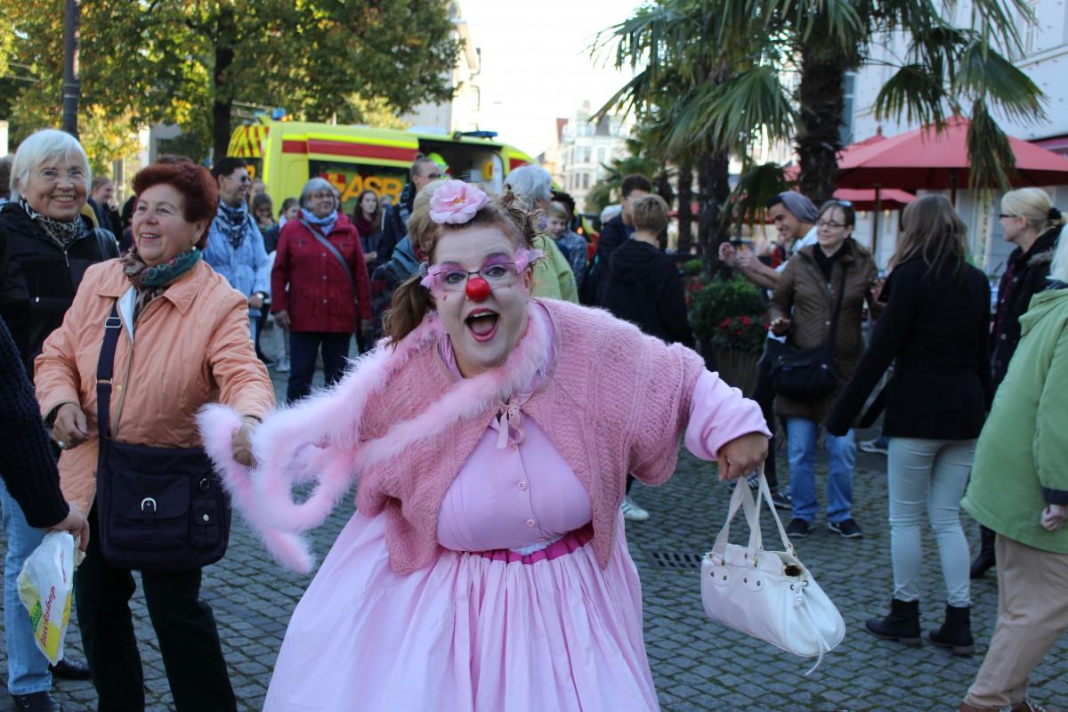 ROSA(lore) zieht durch die Altstadt