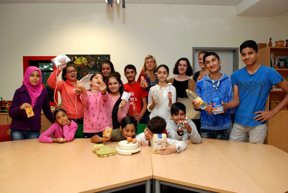 Wenn Deutsch vor Fußball kommt: Flüchtlingskinder lernen auch in den Ferien mit viel Spaß!