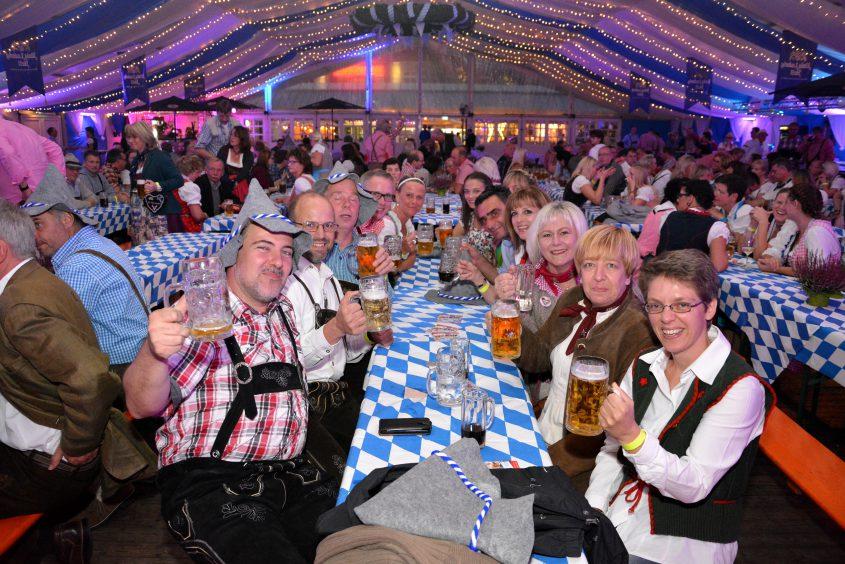 Neheimer Oktoberfest steigt zum Fresekenmarkt in Neheim