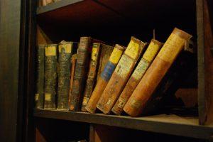 Bücher_alt1