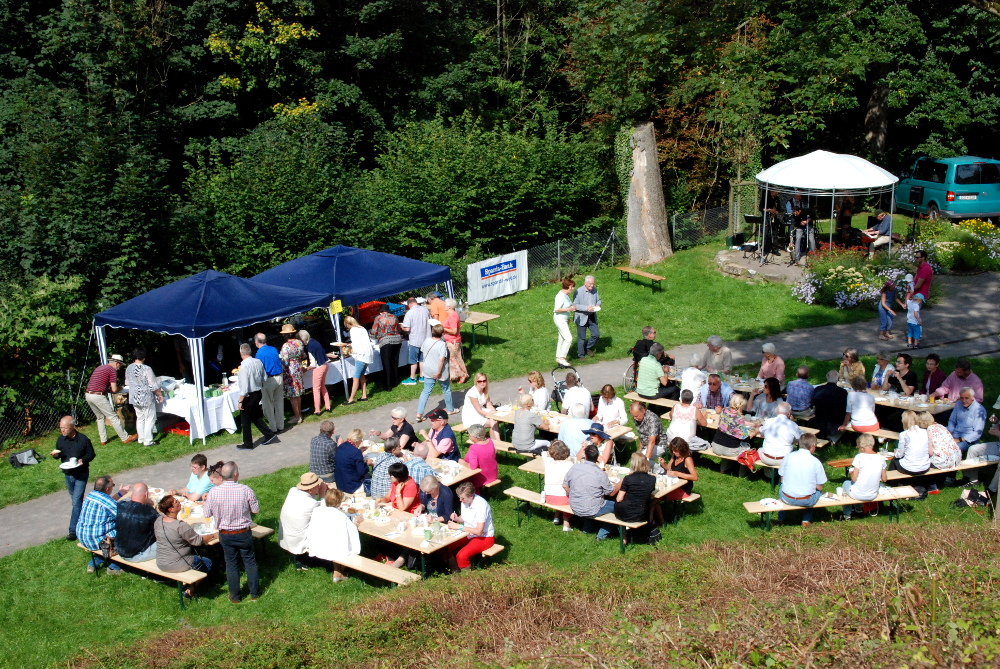 Passend zum Kunstsommer: Dixieland-Frühschoppen am Sonntag in den Bürgergärten an der Twiete
