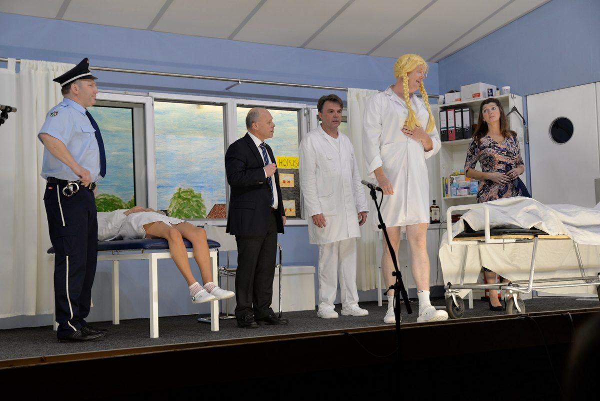 Theaterverein Müschede zeigt ganz normalen Krankenhaus-Wahnsinn
