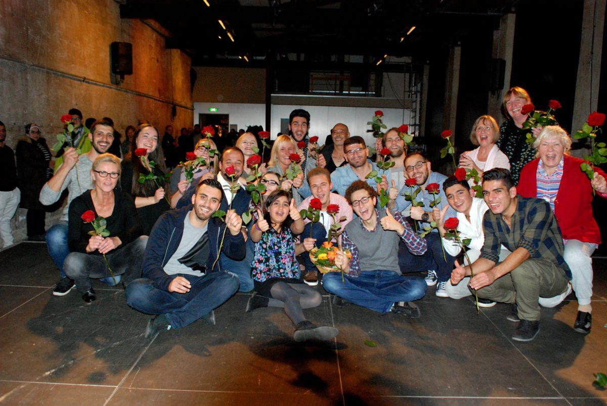 """Volle Bühne für """"Wintergarten"""" – Eindringliches Theaterstück über Flüchtlingsgeschichten noch mal zu sehen"""