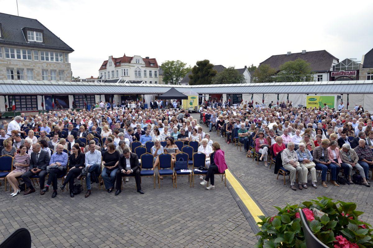 """""""Toccata"""" sorgt in Neheim für besonderes Musikerlebnis: Duisburger Philharmoniker spielen Freitag"""