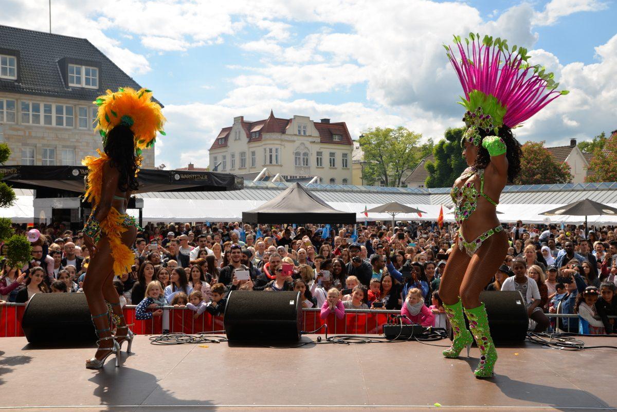 """Neheim feiert Samstag """"Fest der Kulturen"""": 40. Dies Internationalis lockt vor den Neheimer Dom"""